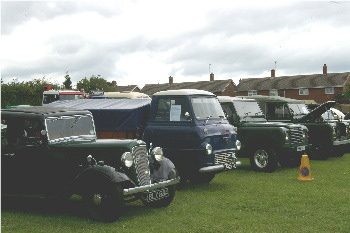 Austin Ruby, Thames pickup & 2 Land Rovers